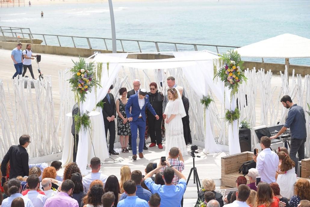 חתונת שישי בצהריים בארקה בנמל
